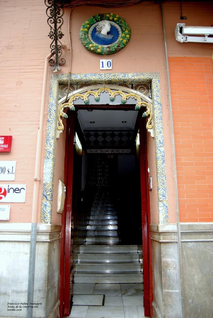 Sevilla. Avda de la Constitución (29)